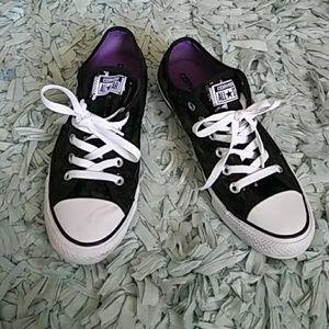 Cute Black sequence Converse